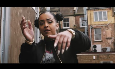 Paigey Cakey – Hot Tings